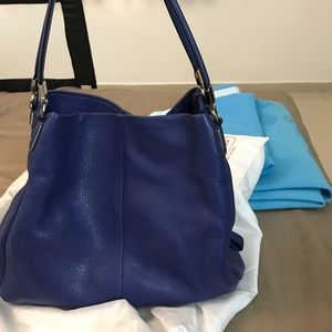 Coach phoebe small in lacquer blue